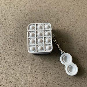 Pop-it silicone AirPod case